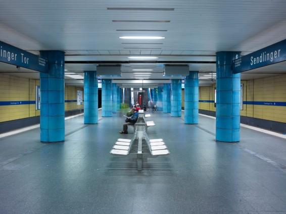 So zeigt sich die Ebene der U-Bahnlinien U3 und U6 bisher. Im Titelbild des Artikels zeigt eine Visualisierung des geplanten künftigen Erscheinungsbilds (Bild: SWM/MVG)
